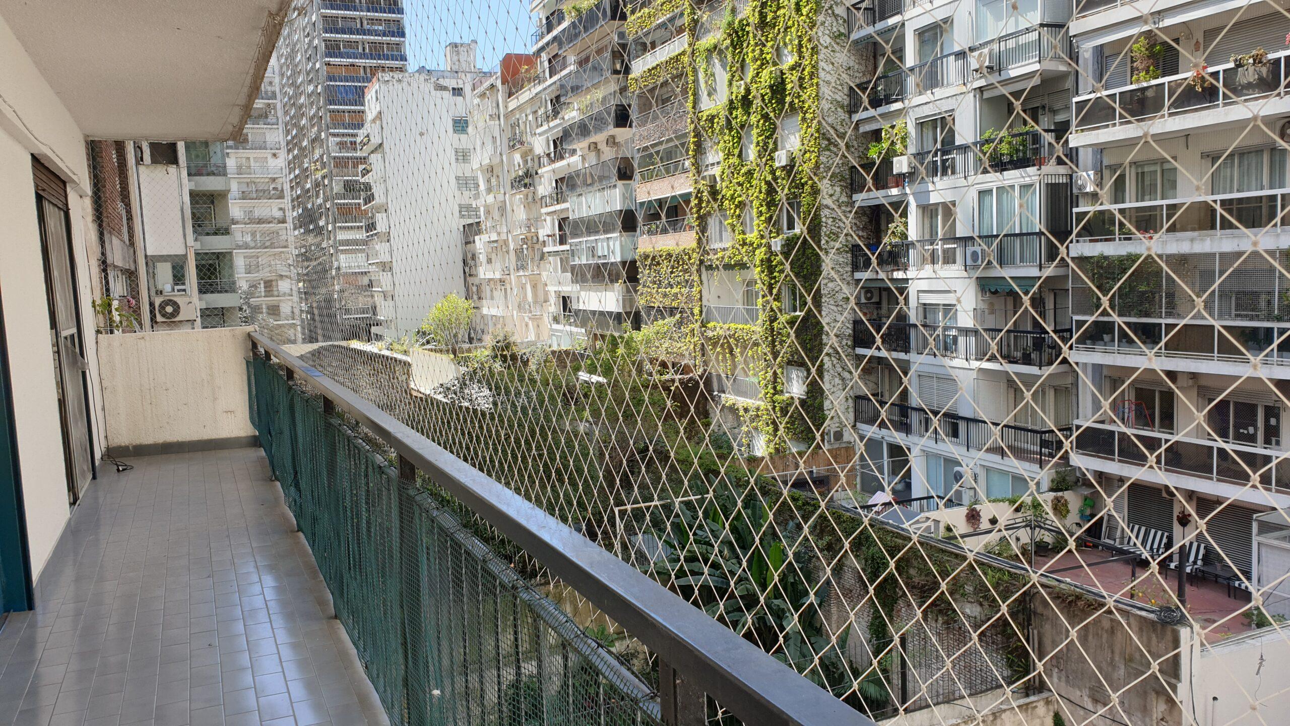 **RESERVADO** 3 ambientes con dependencia a metros de Av. Del Libertador